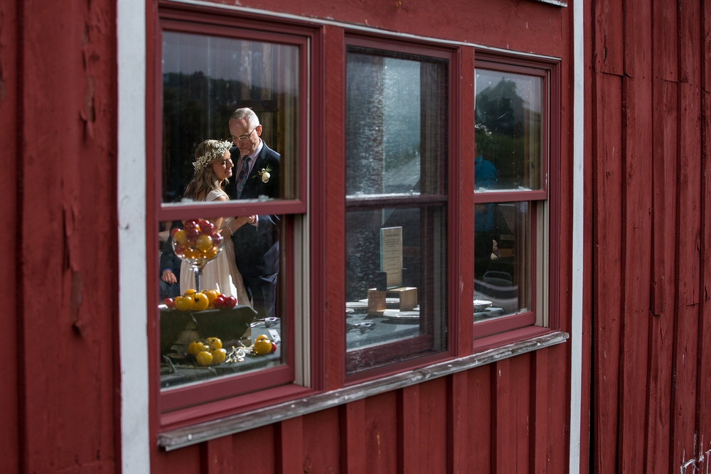 Four_Wings_Photography_Wedding_Red_Barn_at_Hampshire_College-39.jpg