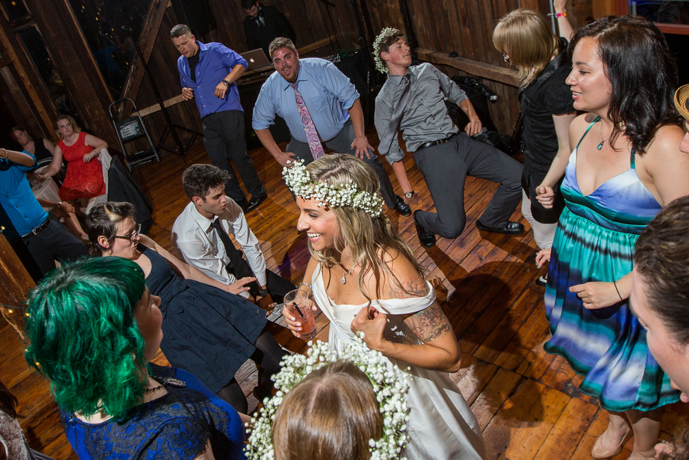 Four_Wings_Photography_Wedding_Red_Barn_at_Hampshire_College-57.jpg
