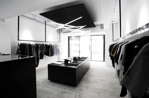 Store02_s.jpg
