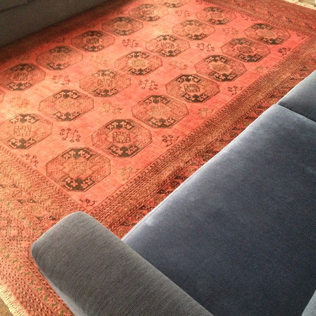 Obsessed with this #rug. #decor #red #blue #patterns #carpet #exotic #handwoven #handmade #tradition