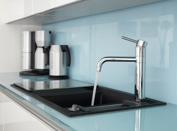 Glass Worktop and Splashback[1].jpg