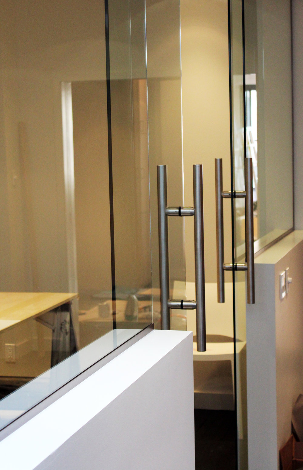 GLASS PARTITION # 6.jpg
