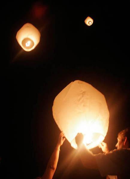 sky-lantern2.jpg