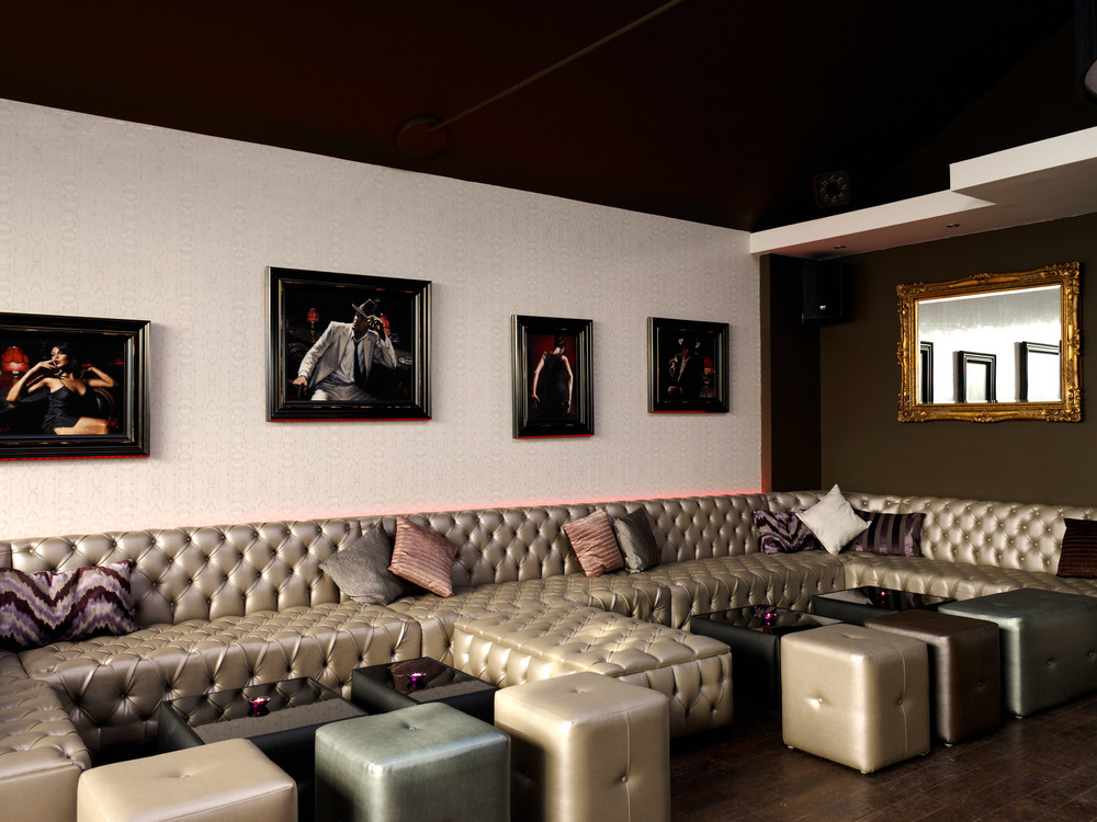 Saloon Bar 04-11-11 54501-3.jpg