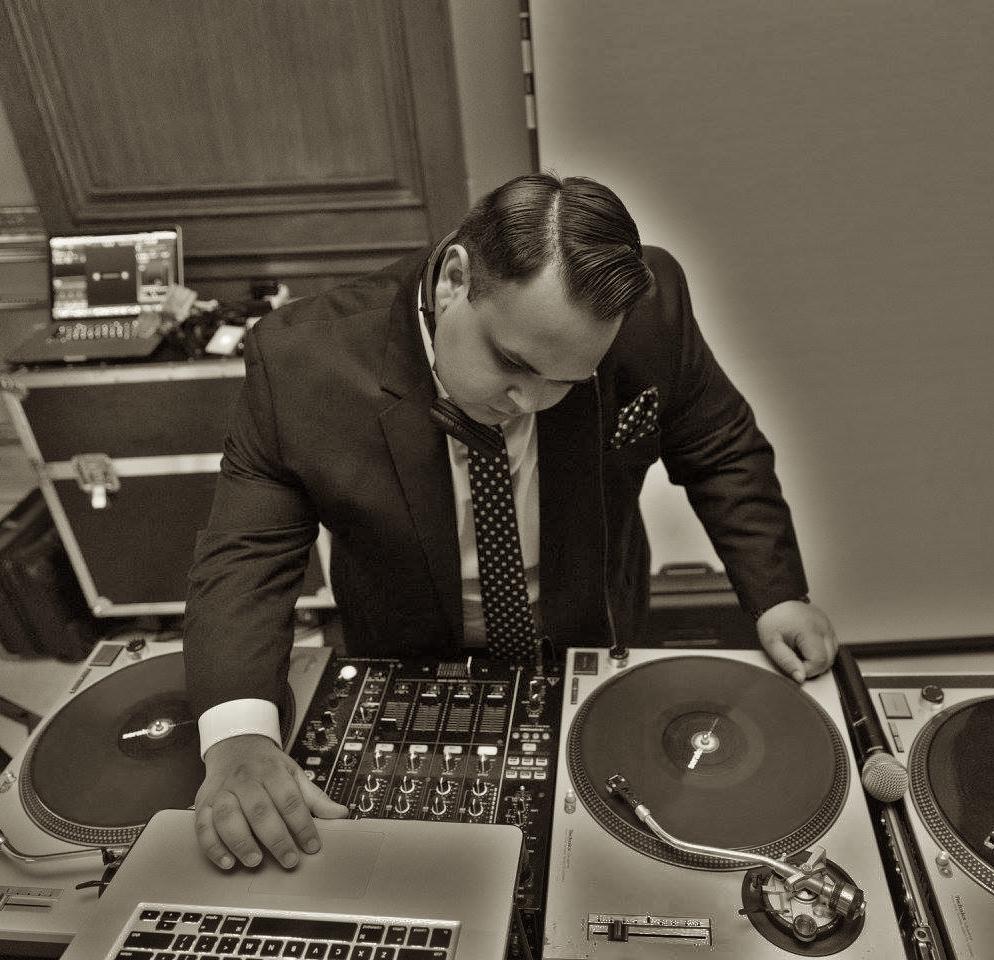 DJ DUbz 2017.jpg