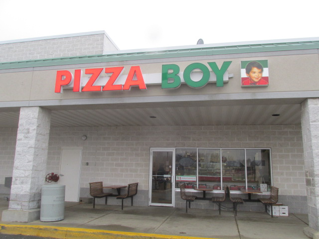 big-ol-butt: my boy, my beautiful pizza boy
