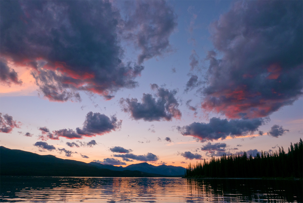 sunset on maligne lake