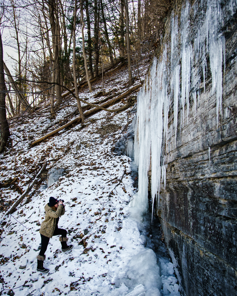 Shooting icicles by Shequaga Falls © Paul Nguyen