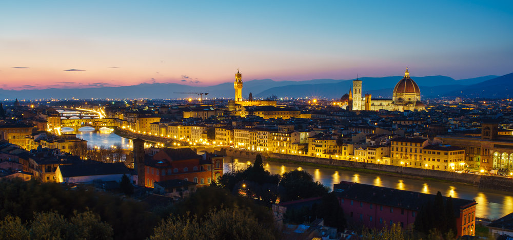 a panoramic shot during sunset at Piazzale Michelangelo © Paul Nguyen