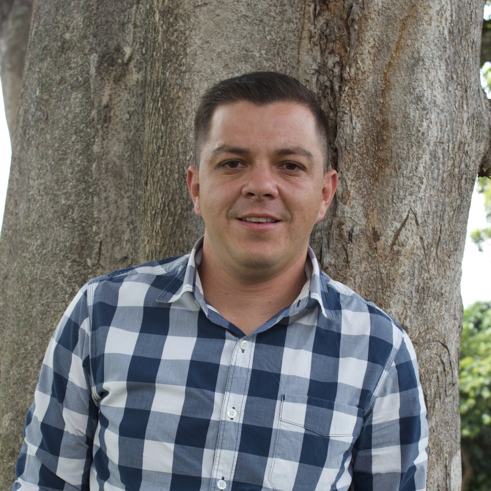 Expositor: Danny Bermúdez, Experto y Asesor en temas de soldadura, tanto en lo que tiene que ver con fuentes de poder como electrodos.