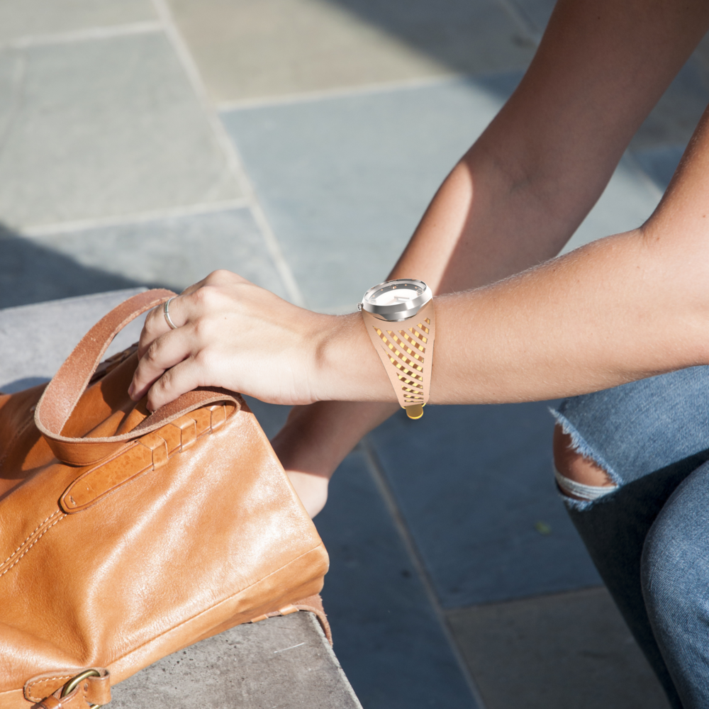 Mary | laser-cut band that is overlapped with two types of leather
