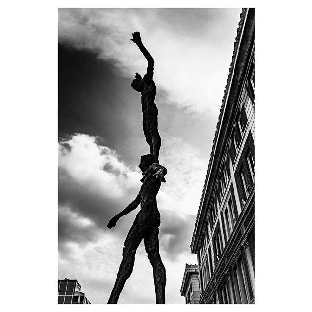 #instablackandwhitephoto #balancingact #shilouette