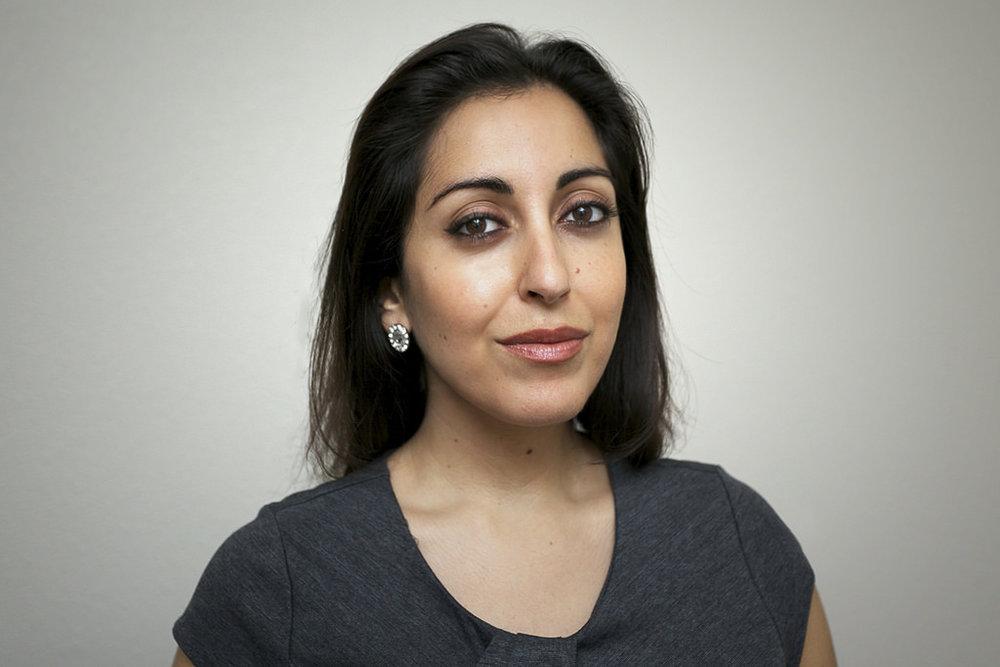 Mariam Hosseini headshot.jpg