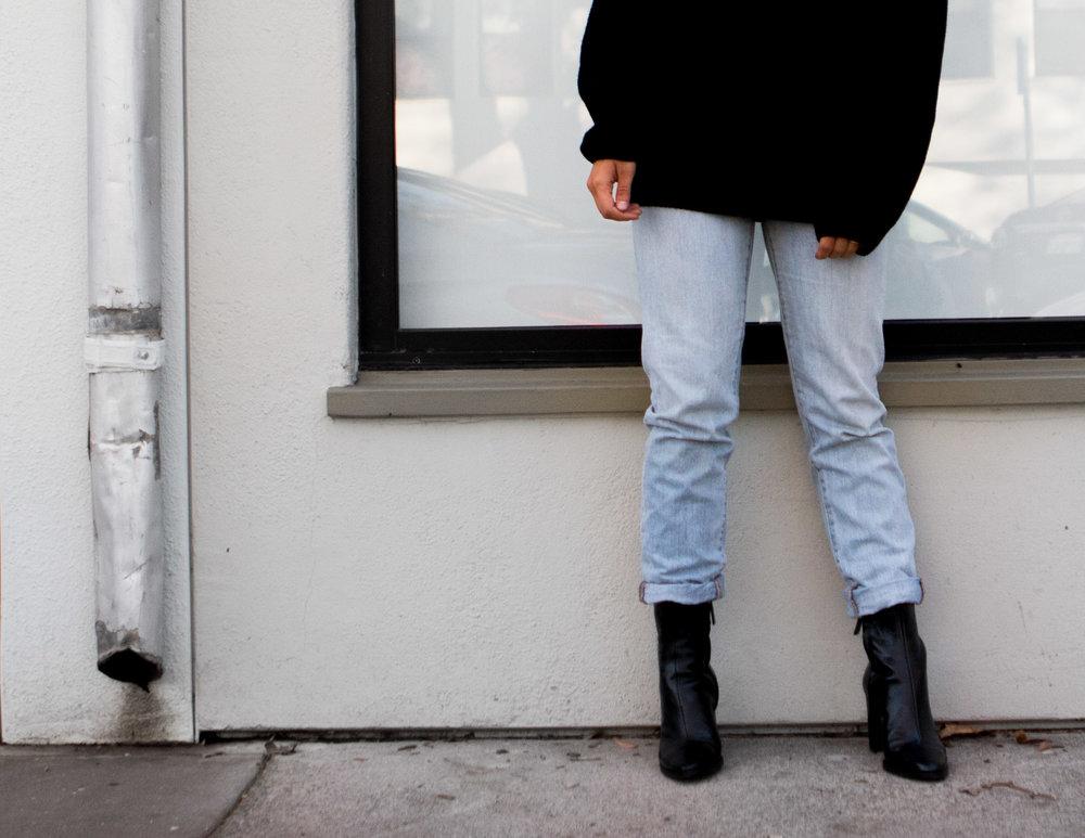Jeans- Madewell, Boots-Zara, Sweater-ShopLunaB, Sunnies c/o Eyeconic