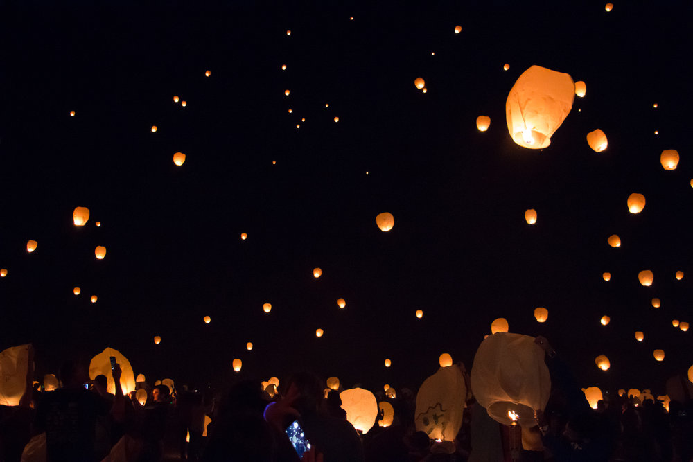 Say Yes To Jess| Cincinnati Photographer | Lantern Fest | Kentucky