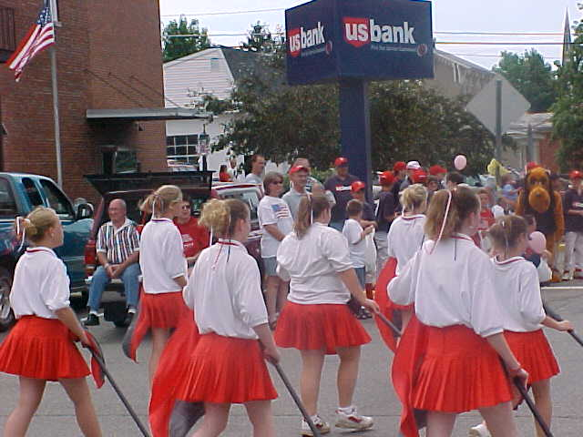 Yep... That's me right in the middle. Pleated skirt and all.