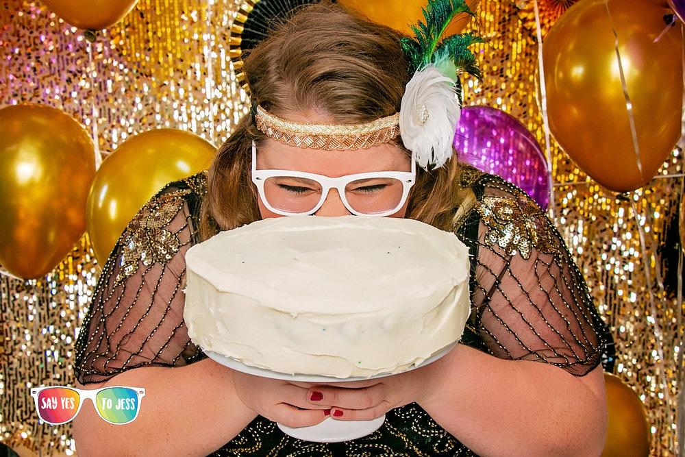 30th Birthday Cake smash in Cincinnati Ohio.jpg