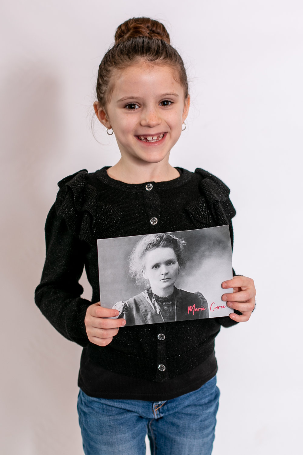 Say yes to Jess photographs Little girl dresses as Marie Curie for International Womens Day