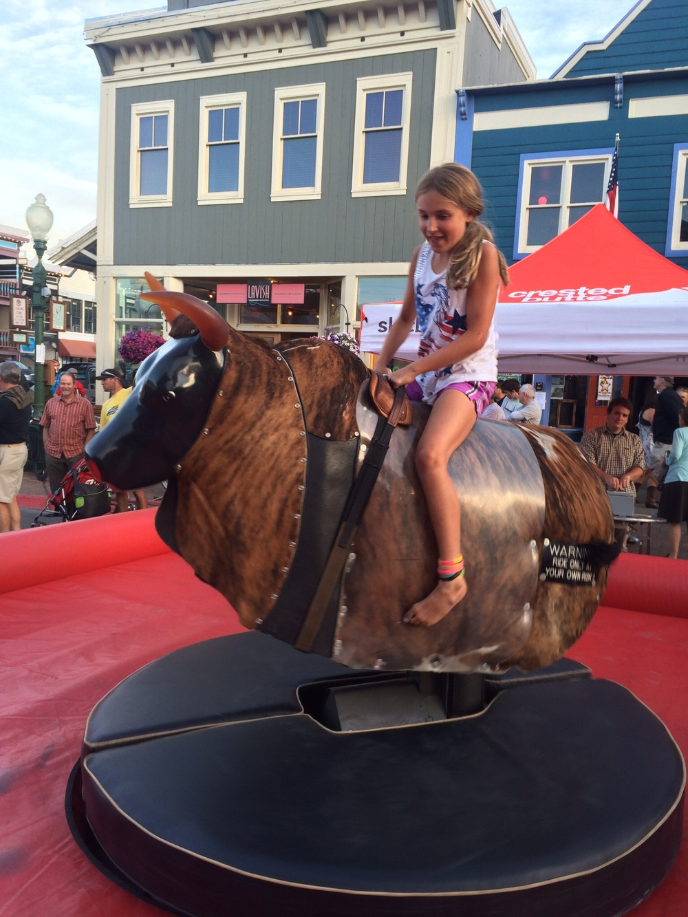 Sierra Nevaday bull ride, moderated for kids....