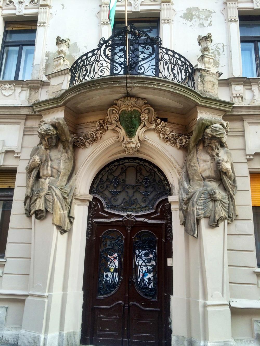 Art Nouveau entry