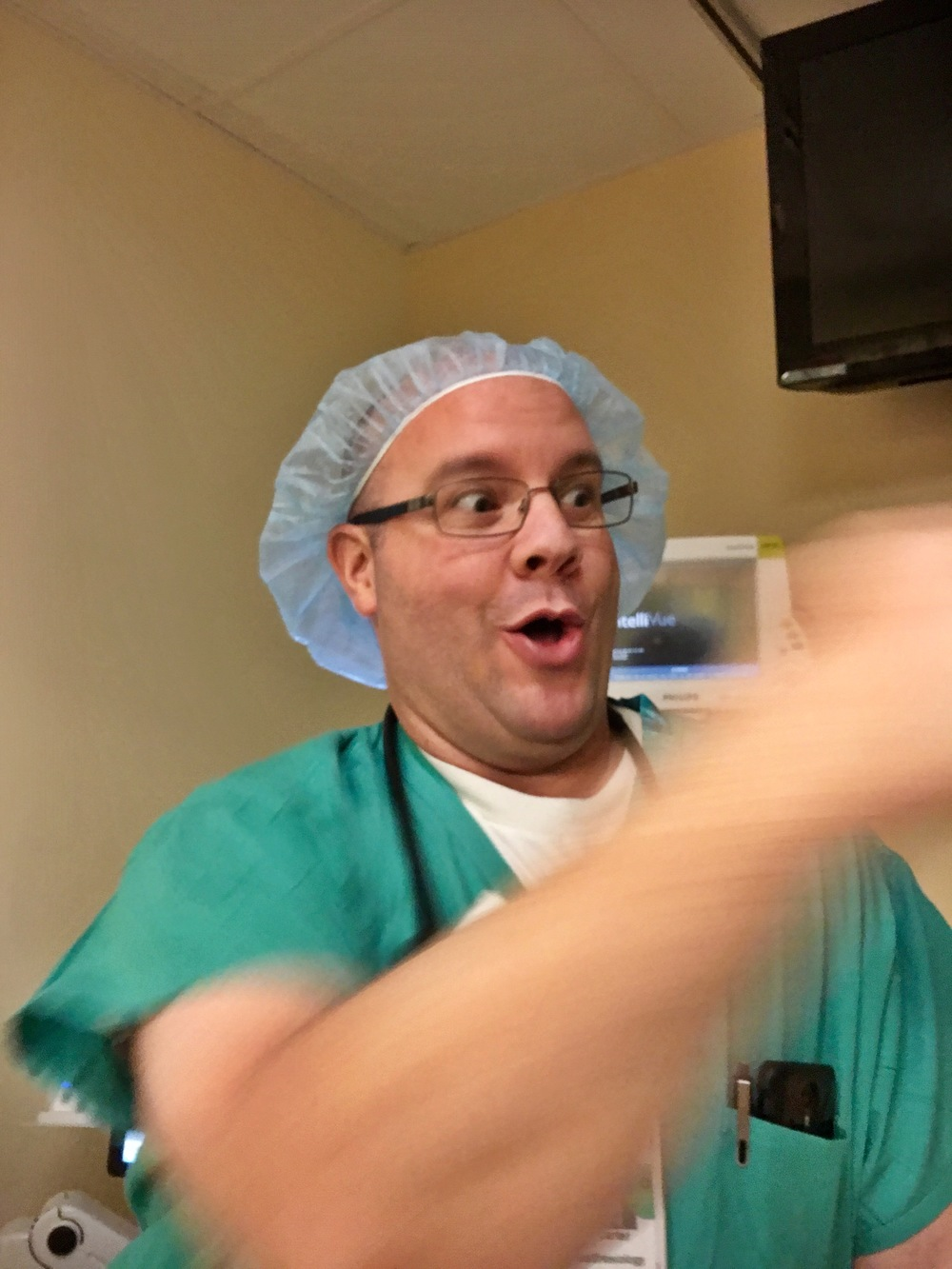 Dr Carter, anesthesiologist and funny guy passes gas...