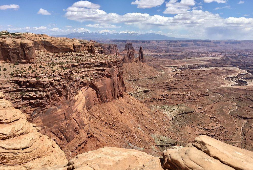 The view through Mesa Arch