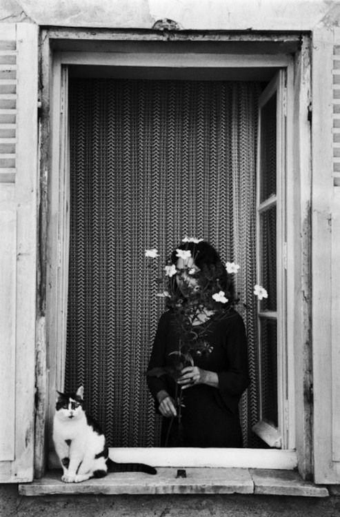 Édouard Boubat - Devant La fenêtre, France, 1978