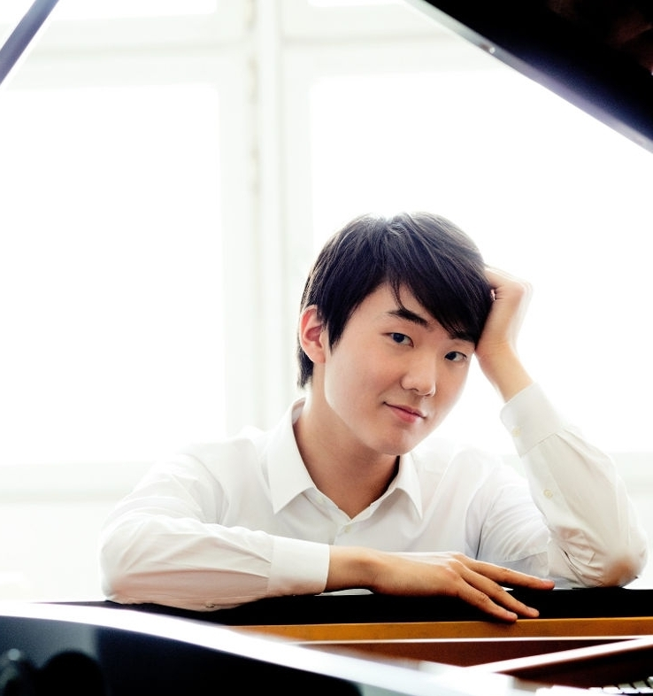 Benefit Concert with Seong-jin Cho - Beethoven Egmont OvertureDvorak Czech Suite Chopin Piano Concerto No. 1 in E minorSeong Jin Cho, PianoJun Kim, Conductor