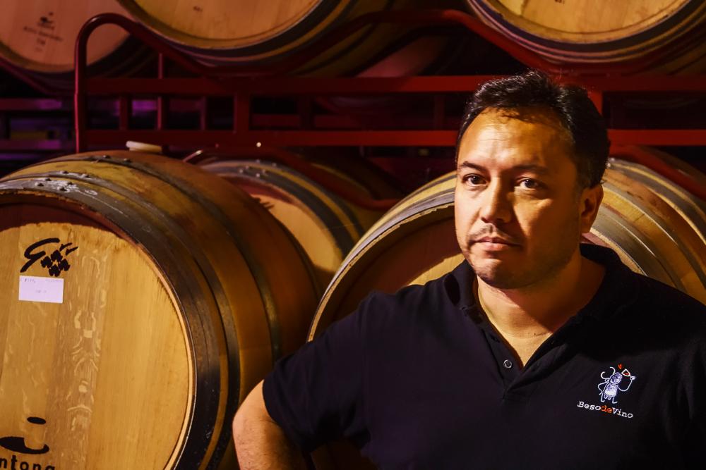Winemaker Marcelo Morales of Grandes Vinos y Vinedos