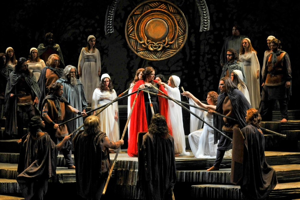 Grand Opera at its Grandest: Bellini's Norma (photo: Claudio Silva Aravena)