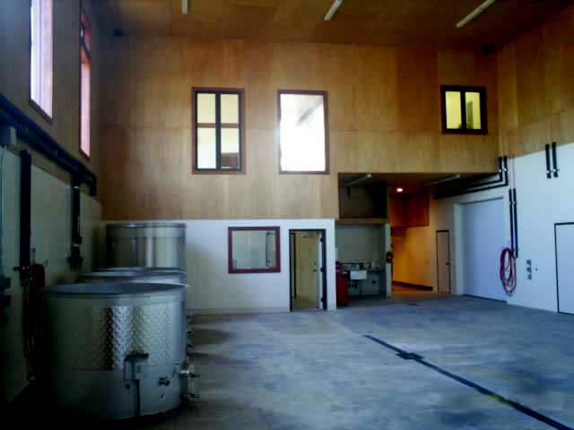 gravity-flow-system-winery-design-to-process-grapes