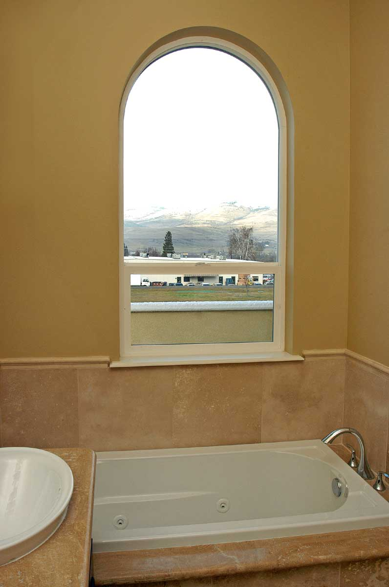 condominium-bathroom-design-southern-oregon