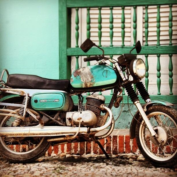 #cuba #blueonblue #motorcycle #travel #transportation #streetstyle (at Trinidad, Cuba)