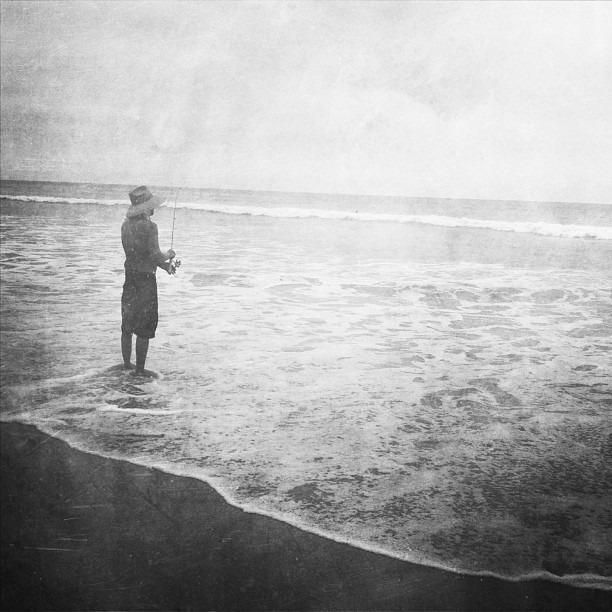 #sandiego #torreypines #beach #ocean #fish #fisherman #beachstyle #california #blackandwhite #amateur_bw #au_bw #instagood #amateur_united