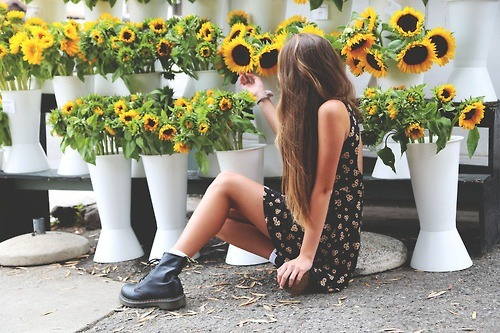 Sunflowers brighten any day! Follow for Fashion+Indie+Art+Wanderlust