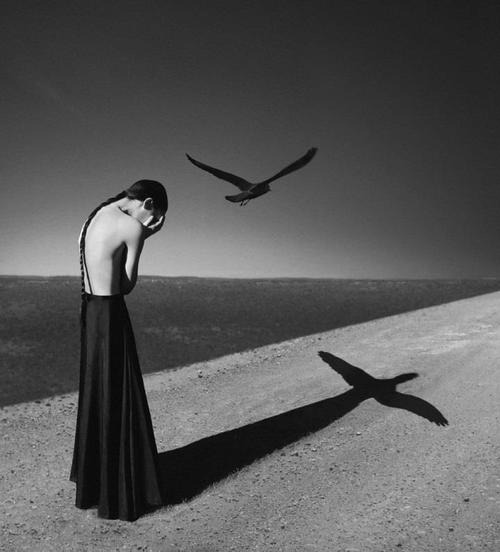 Noell S. Oszvald – Surreal Self-Portraits Follow for Fashion+Indie+Art+Wanderlust