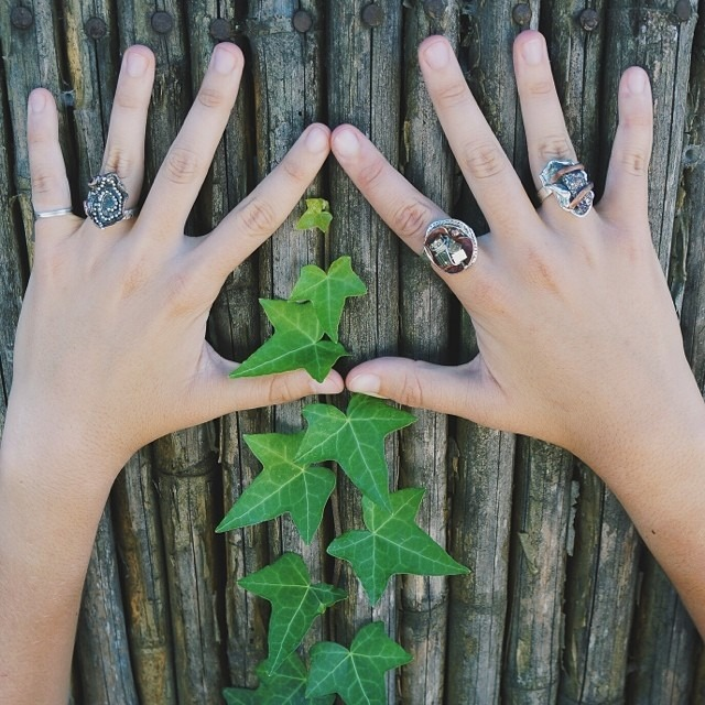Fresh lookin fingers with our handmade rings inspired by nature // AV's Miel Collection