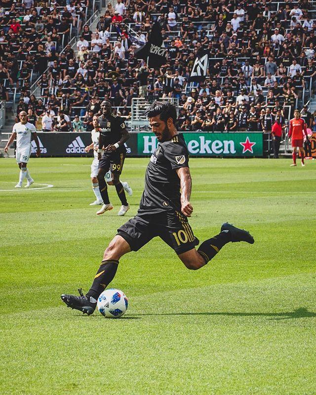 Welcome back Carlos // @lafc v @timbersfc // @bancofcaliforniastadium @lafc3252 @carlosv11_ // #lafc #lafcvpor #mls #soccer #lafcoriginal #football #futbol //