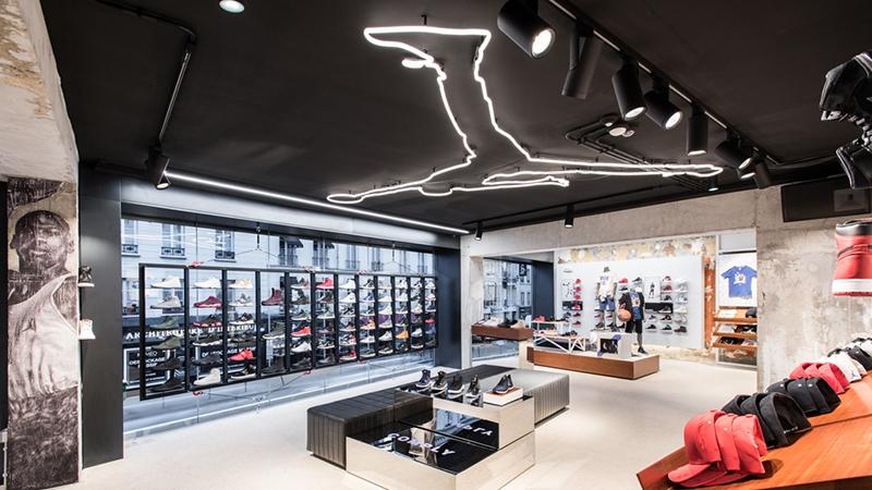 NikeJumpmanStoreParis1.jpg