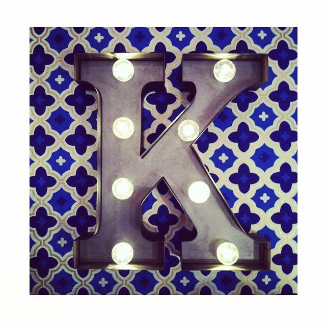 🔵🔸⚪️🔹🔶 The perfect backdrop to add a little splash of colour #rocketandrye #carnivallights #alphabet #interior