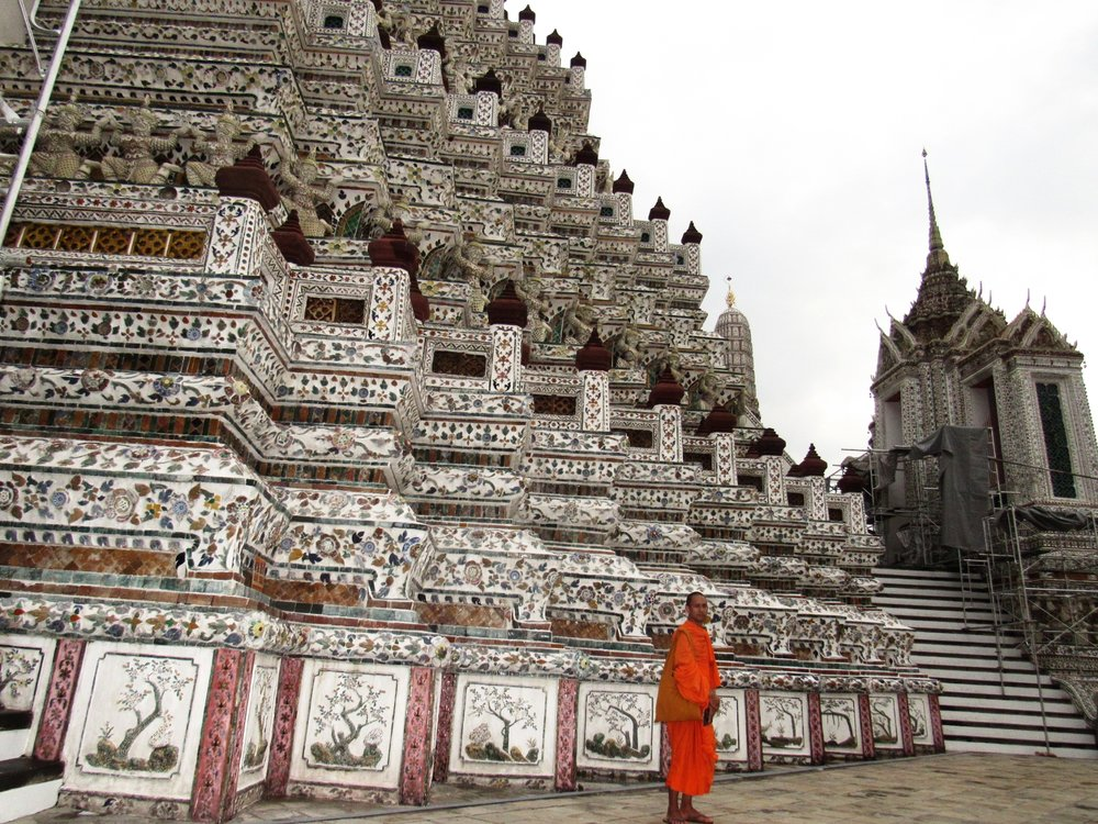 This beautiful monk shared some amazing insight with me regarding the structure of Wat Arun. Here you can also see a closer look at the architechtural design representing the guardian gods.