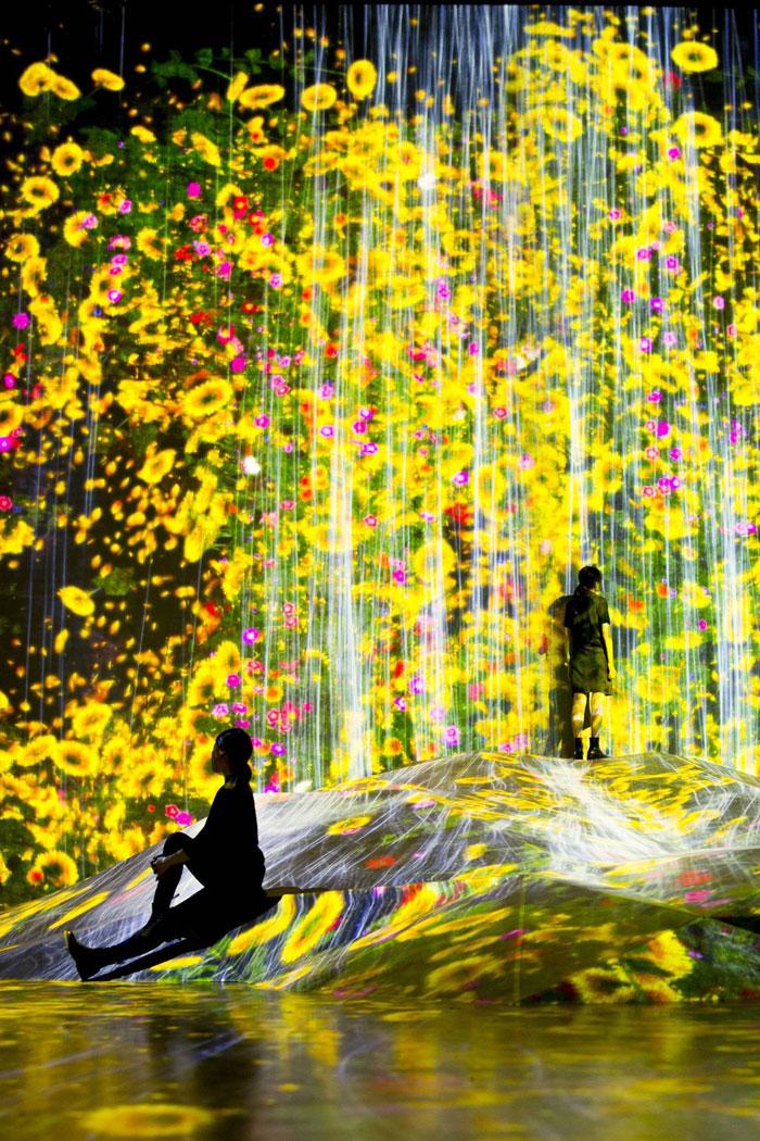 TeamLab-Visual-Atelier-8-Art-Japan-Installation-Future-9.jpg