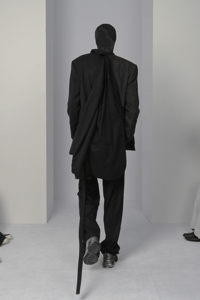 POST-ARCHIVE-FACTION-Visual-Atelier-8-fashion-6.jpg