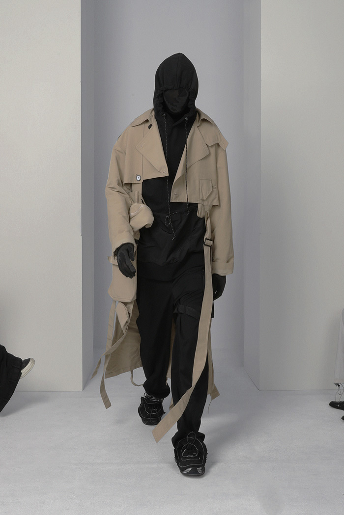 POST-ARCHIVE-FACTION-Visual-Atelier-8-fashion-13.jpg