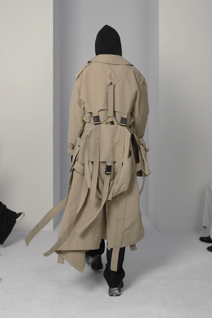 POST-ARCHIVE-FACTION-Visual-Atelier-8-fashion-14.jpg
