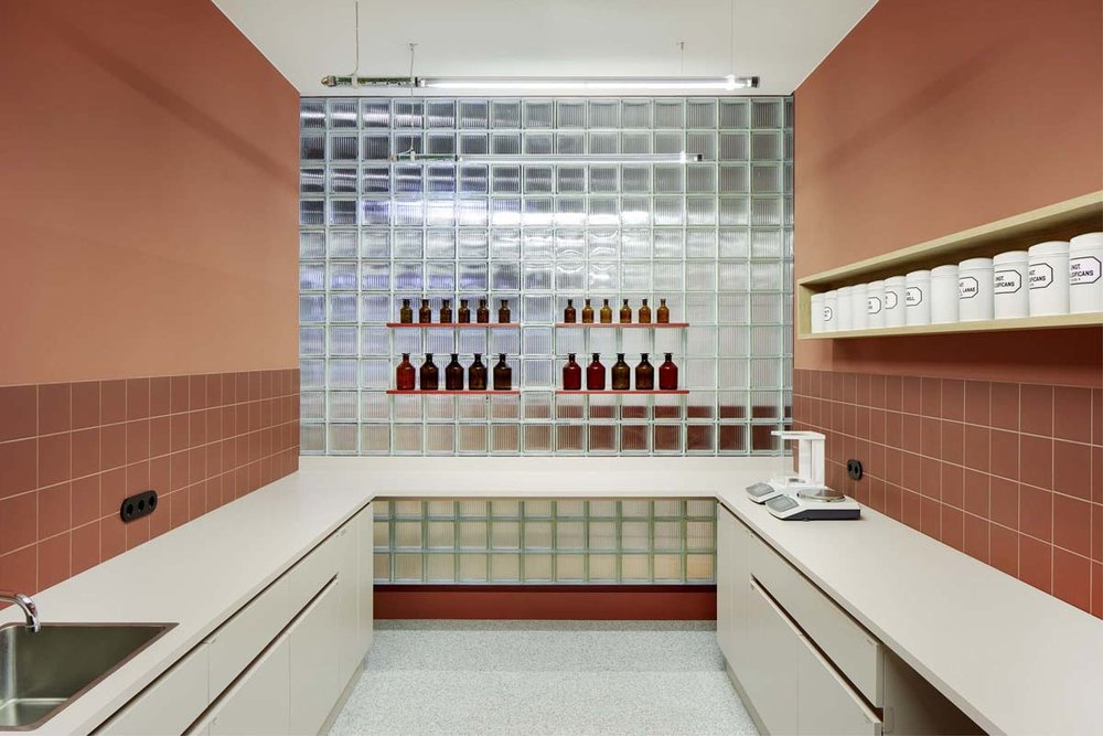 STUDIO AISSLINGER-Future Pharmacy-Visual Atelier 8-9.jpg