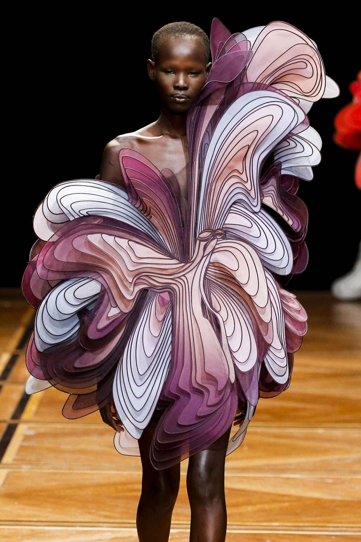 Iris-van-Herpen-SHIFT-SOULS-Visual-Atelier-8-Fashion-8.jpg