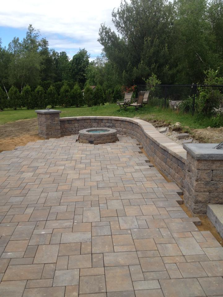 curved wall with fire pit.jpg