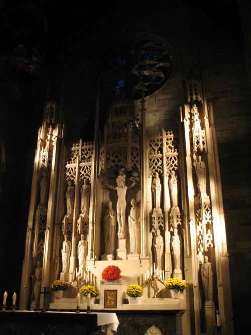 holycross_altar1_web.jpg