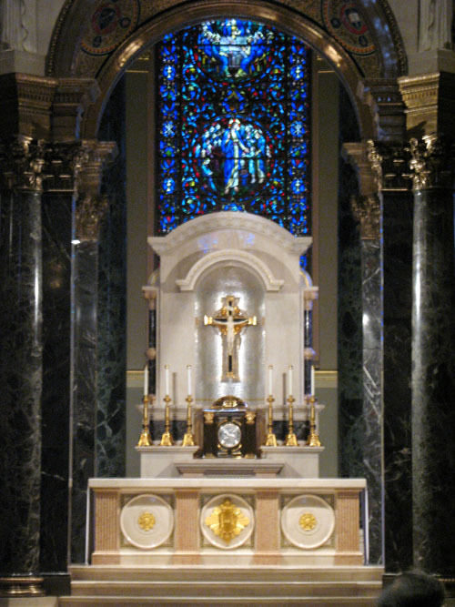 basilicamainaltar2_web.jpg